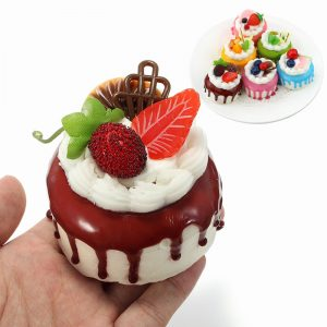 Squishy Cream Fruit Cake 7cm Sweet Soft Slow Rising Kylskåpmagneter Decor Collection Present Toy