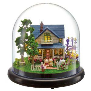 Cuteroom dockhus Miniatyr Romantiskt Hus DIY Kit med lock och LED