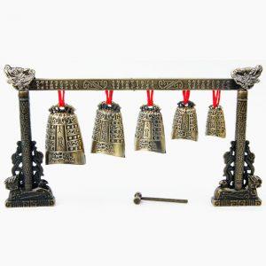 Kinesiskt musikinstrument Bronsmeditation Gong med 7 Utsmyckade Cow Bell Set
