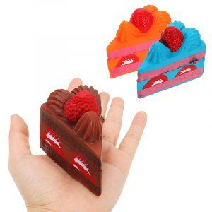 Strawberry Cake Squishy 16 * 8 * 6CM Långsam Rising Fun Present Anti Stress Telefon Band Toy
