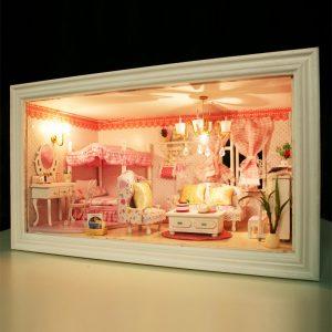 Hoomeda 13818 Rosa Dream DIY dockahouse Med Music Light Cover dockhus Miniatyr Present Decor Leksaker