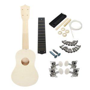 21 tums unassembled Wooden Ukulele med musikaliska tillbehör till gitarr DIY