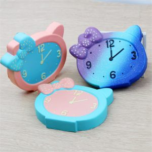 PU Simulation Clock Decompression Squishy Leksaker 13cm Långsam Rising Med Packaging Collection Gift Toy