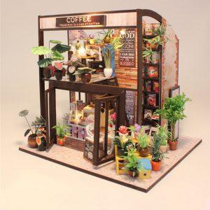 Hoomeda M027 Kaffehus DIY Dockhus med musik Motor Cover Light Miniature Model Toy Gift