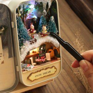 Cuteroom DIY Dockhus Miniatyr LED Light Box Theatre Gift Decor Collection