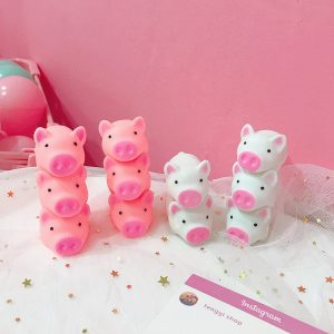 Ny Squishy Pink Pig Cartoon Mjuk söt Animal Squeeze Sound Squeezing kallad långsam stigande dekompressionsleksak