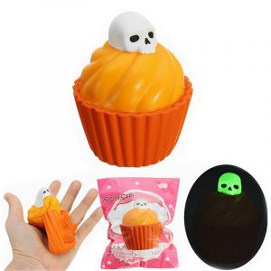 YunXin Squishy Pumpkin Puff Cake Glow I Mörk Halloween Långsam Rising With Packaging Collection Gift