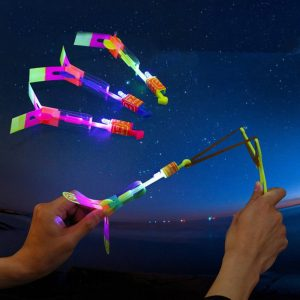 10 st Amazing Toy LED Flash Gummi Band Helikopter Plane Toy för barn