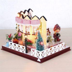 Hoomeda LY001 Herb Tea Vanilj Mjölk Tea House DIY Dockhus Med Music Light Cover Miniatyrmodell