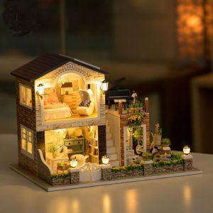 Hoomeda 1/24 DIY Wooden Irish Country House med LED-musik möbler Dockhus