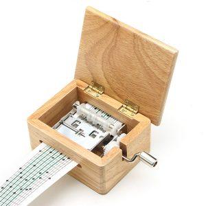 15 Tone DIY Handvevrad musiklåda trälåda med hålpuncher och pappersband
