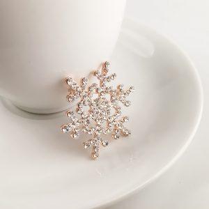 Christmas Brosch Snowflake Design Brosch Festival Party Brosch Trendiga kvinnors smycken Festivalgåva