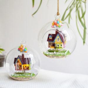 3D DIY Miniature Glass Ball Dollhouse LED Sound Control Light Doll House Kreativ julklapp